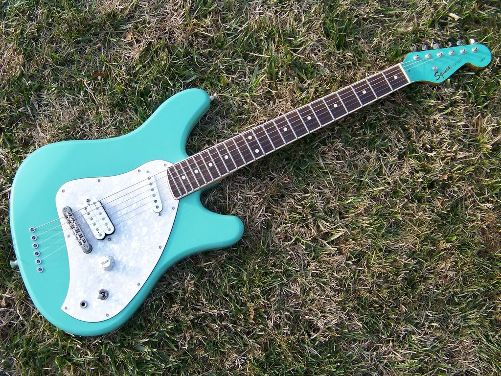 The Unique Guitar Blog Squier Venus Aka Vista Vm Surf Strat Wiring Diagram Shape Of Is Different From Anything Fender Has Produced Was Made Basswood That Had Two Offset Cutaway Horns And An Asymetrical