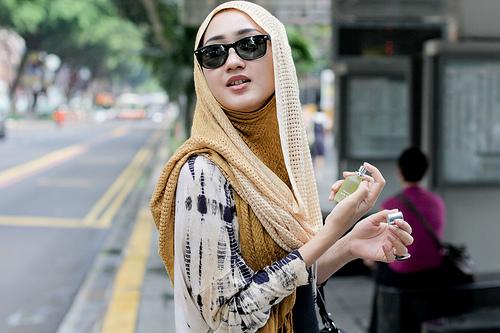 kumpulan foto cewek cantik berjilbab berkacamata terbaru
