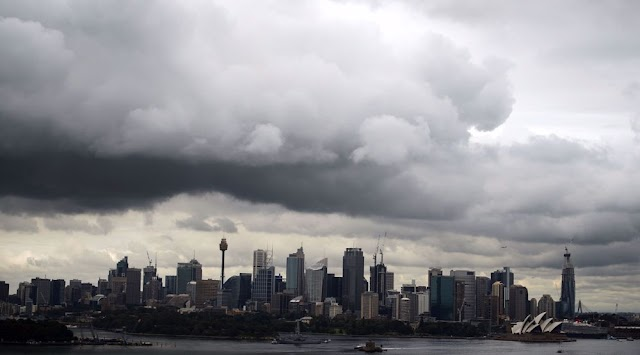 Thousands without power as wild storm batters Western Australia