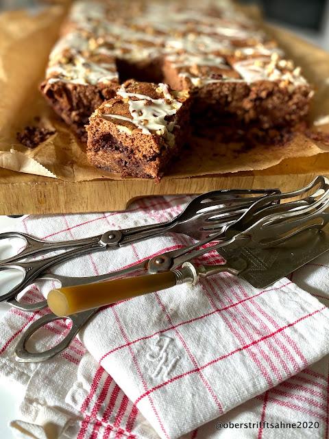 Schokoladenkuchen mit Schokolade