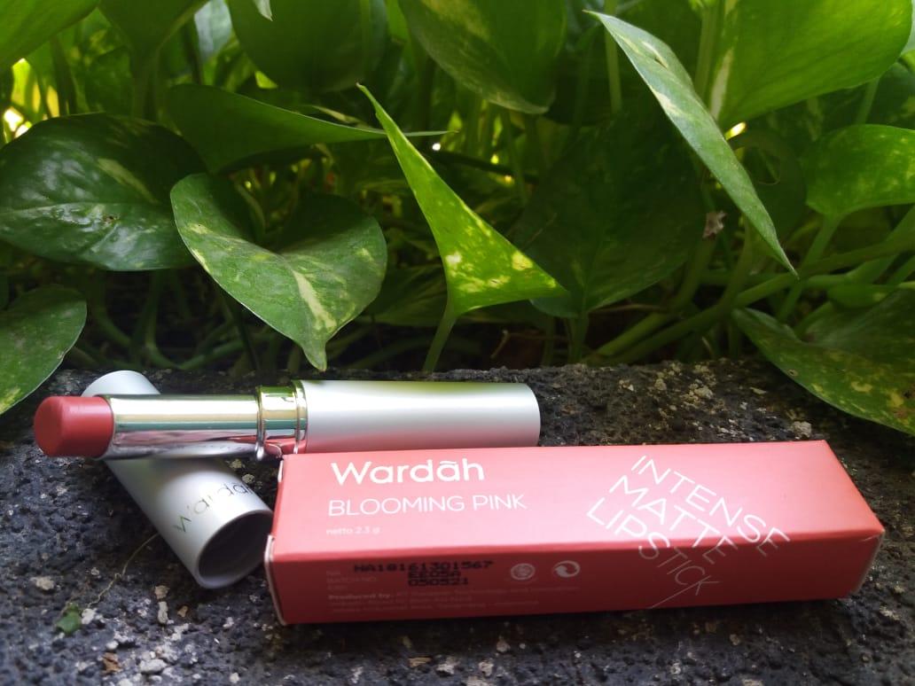 Wardah Intense Matte Lipstick 08 Retro Red 25gr6 Daftar Harga Passionate Pink 07 25gr Review Swatches 06 Blooming