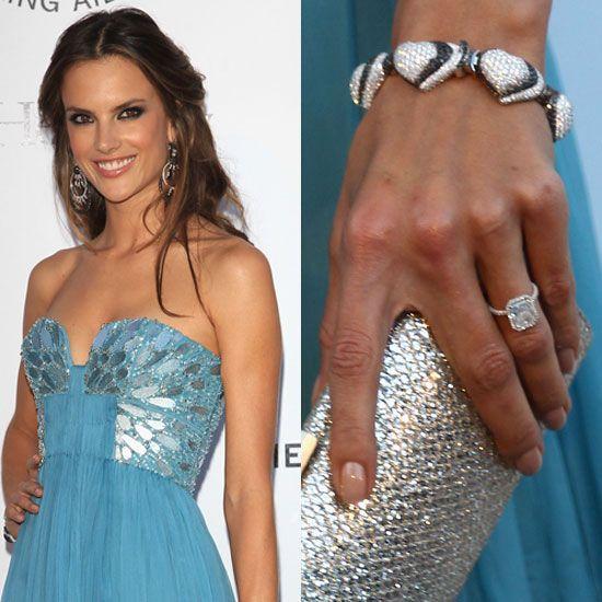 Anel noivado diamantes solitário da Alessandra Ambrósio