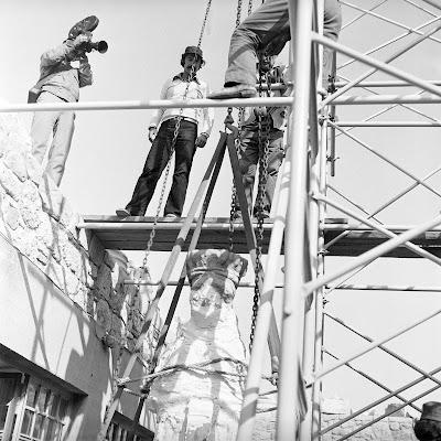 Η μέρα που οι Καρυάτιδες κατέβηκαν από το Ερέχθειο: 10 ιστορικές φωτογραφίες του 1979