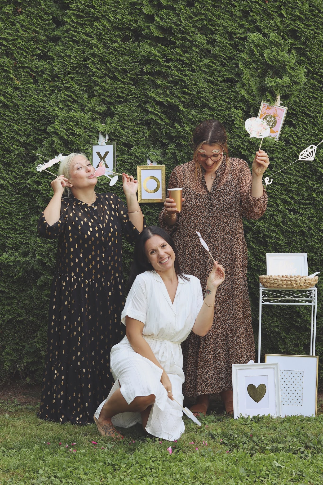 bridal shower on a budget photo booth