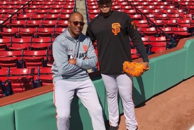 FÚTBOL: Relevista venezolano Enderson Franco debutó al morrito del Fenway Park MLB.