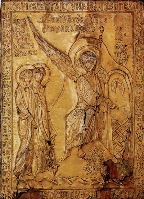 """Η σπάνια κειμηλιακή βυζαντινή εικόνα του 12ου αιώνα. Κάποτε μέρος της διακόσμησης της εκκλησίας """"Θεοτόκος του Φάρου"""" στην Κωνσταντινούπολη. Σήμερα στο Μουσείο του Λούβρου στο Παρίσι. Φέρει κάτω δεξιά ενσωματωμένο λίθο από τον Πανάγιο Τάφο του Χριστού."""