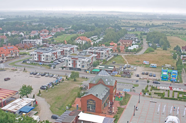 centrum Niechorze, widok na miejscowość z latarni morskiej