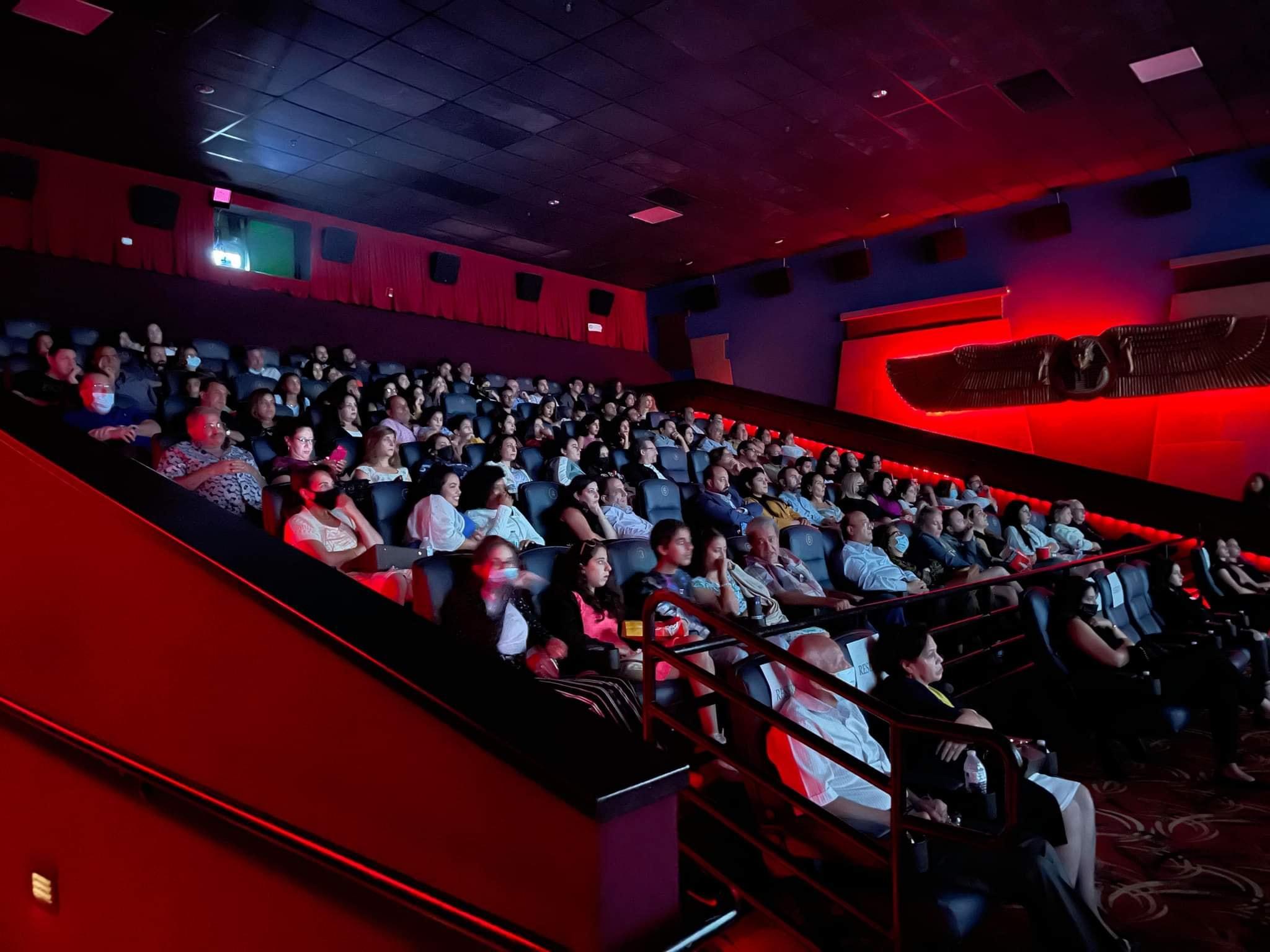 """""""الفراعنة يقتحمون هوليوود"""".. إقبال جماهيرى على عروض أول فيلم مصرى بالسينمات الامريكية"""