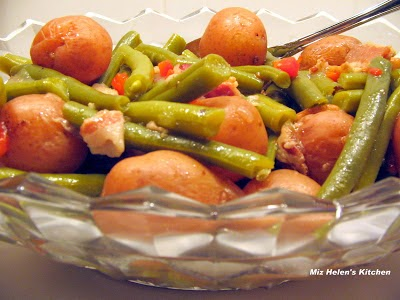 Fresh Green Beans with New Potatoes at Miz Helen's Country Cottage