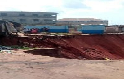 Ten buildings collapse at erosion site in Anambra