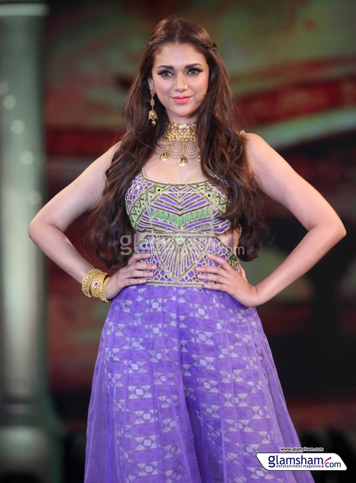 beautiful actress aditi rao hydari latest full hd wallpapers images
