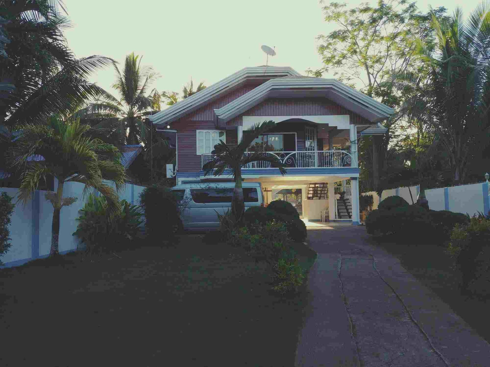 lovely facade of our house in Bohol which we booked via AirBnB