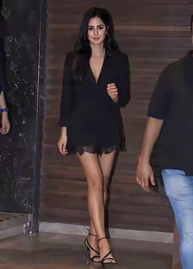 Black dress Katrina Kaif look Sexy
