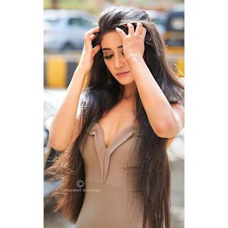 Naira real name, Shivangi Joshi biography, wiki, height, weight, photos, age, boyfriend, family and more