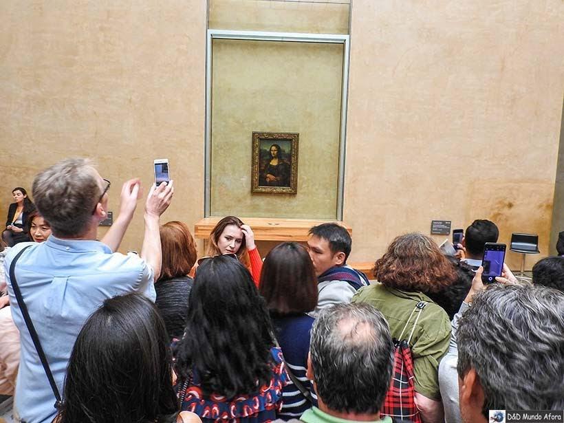 Monalisa no Museu do Louvre - O que fazer em Paris: principais pontos turísticos