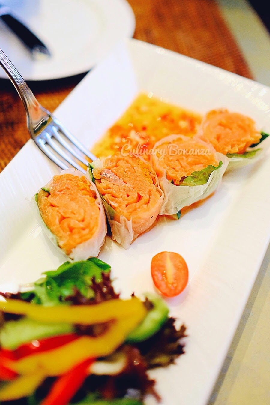 Vietnamese Salmon Roll at Jakarta Restaurant, The Dharmawangsa (www.culinarybonanza.com)