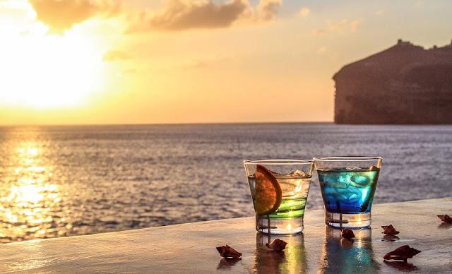 Bares em Santorini