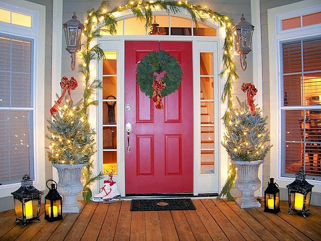 Christmas Porch-The Comforts of Home-Christmas Edition- How I Found my Style Sundays- From My Front Porch To Yours