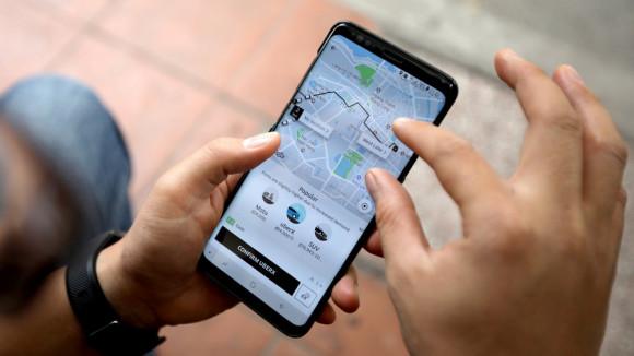 Μειώσεις στους λογαριασμούς των κινητών-Τι προβλέπει το σχέδιο