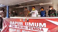 Tim Gugus Tugas Buka Dapur Umum di Halaman Mapolres Batang untuk Bantu Warga
