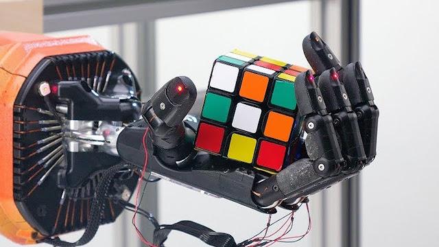 robot rubik's cube hand