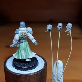 Inq28 grimdark blanchitsu miniature conversion sculpting painting warhammer 40k grimdarkcards servo skull