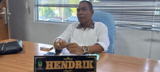 Hendrik Memimpin Rapat Pansus Pembahasan Ranperda Perubahan Perda No 16 Tahun 2007 Tentang Ketertiban Umum