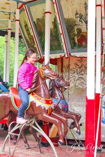 Freilichtmuseum Molfsee Norddeutschland Karussellpferde