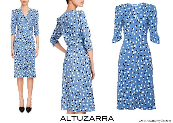 kate middleton the duchess of cambridge wore altuzarra aimee polka dot button front dress