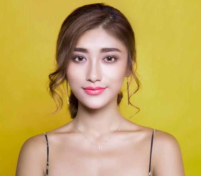 To make the facial skin elastic. How to make the skin elastic at home?