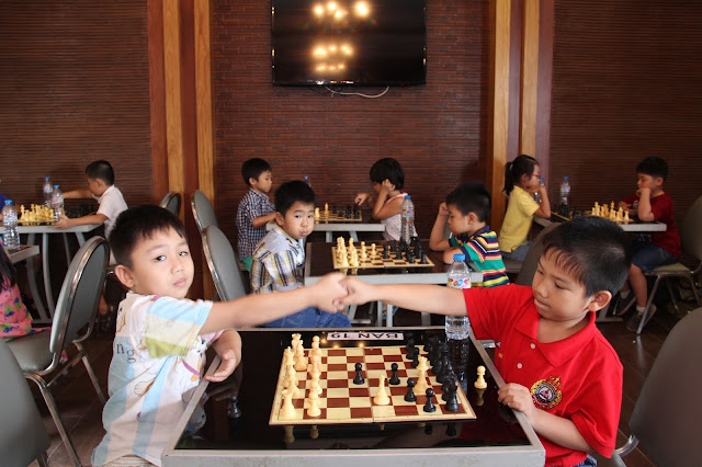 Học cờ vua ở đâu? Học cờ vua mang lại lợi ích gì cho trẻ?
