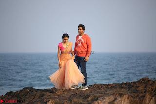Rukshar Mir romancing Ashish Raj in Aakatayi 08.jpg