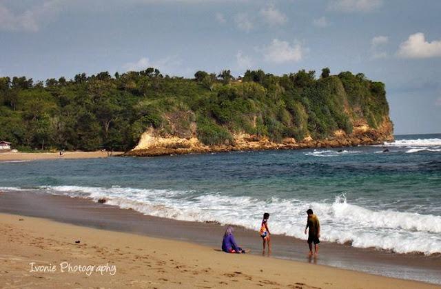 Pantai Tambakrejo, Blitar