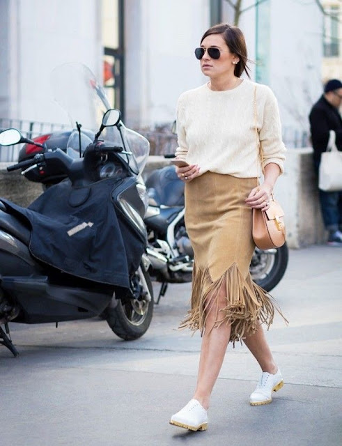 WHISPER blog: FRANJAS #franjas #look #modaderua #couro #passarela #desfile #estilo #fringes #outfit #streetstyle #catwalk #runway #style #blog #loafers