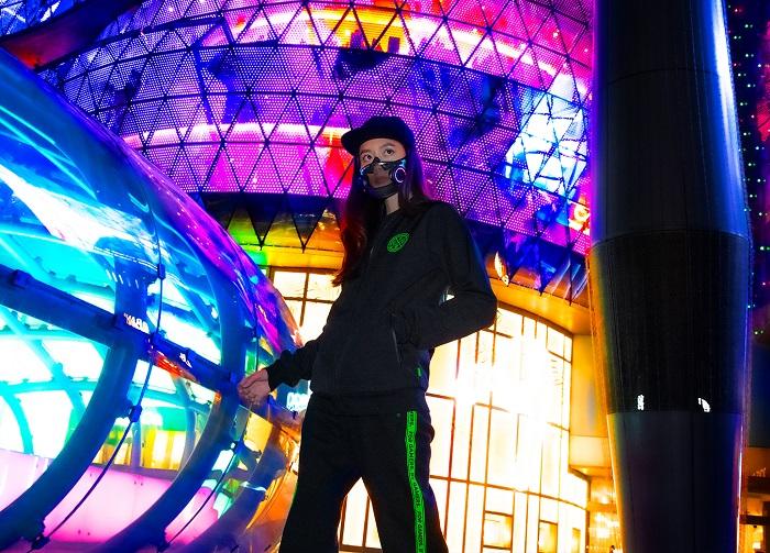 Cuztomize your mask with Razer Chroma™ RGB Lighting zones