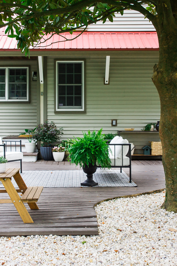 Gravel path and patio