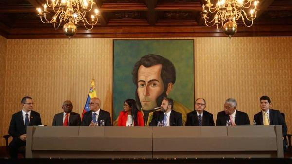 Estos son los acuerdos parciales firmados entre el gobierno y oposición de Venezuela