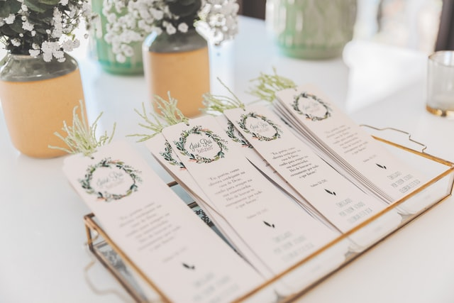 Easy Ways to Make Wedding Invitations in Canva