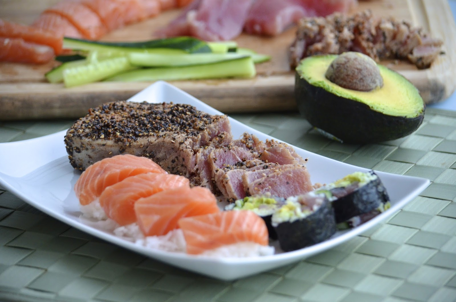 tuna roll salmon sashimi avocado cucumber