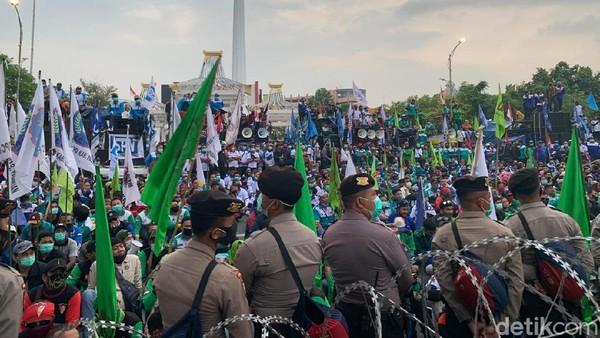 Teken UU Cipta Kerja, Buruh Jatim Sebut Jokowi Paksakan Kehendak