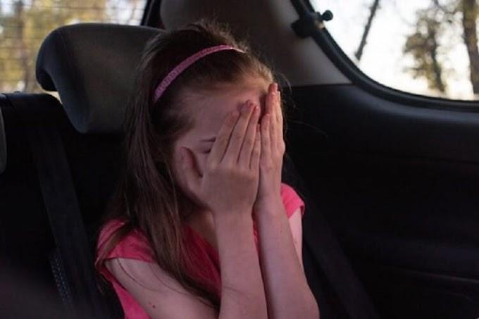 """""""Мамо, ми щось не туди їдемо"""": у Львові таксист повіз 11-річну дівчинку у невідомому напрямку. Дитина була змушена вистрибувати з авто на ходу"""