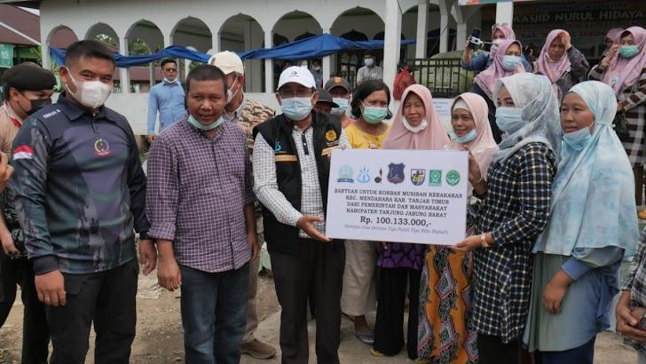 Bupati Anwar Sadat Silaturahmi Sekaligus Serah Bantuan Korban Kebakaran Di Mendahara