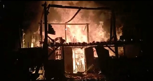Diduga Korsleting Listrik, Satu Rumah Ludes Terbakar