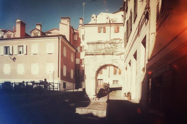 Fotografia dell'Arco di Riccardo a Trieste