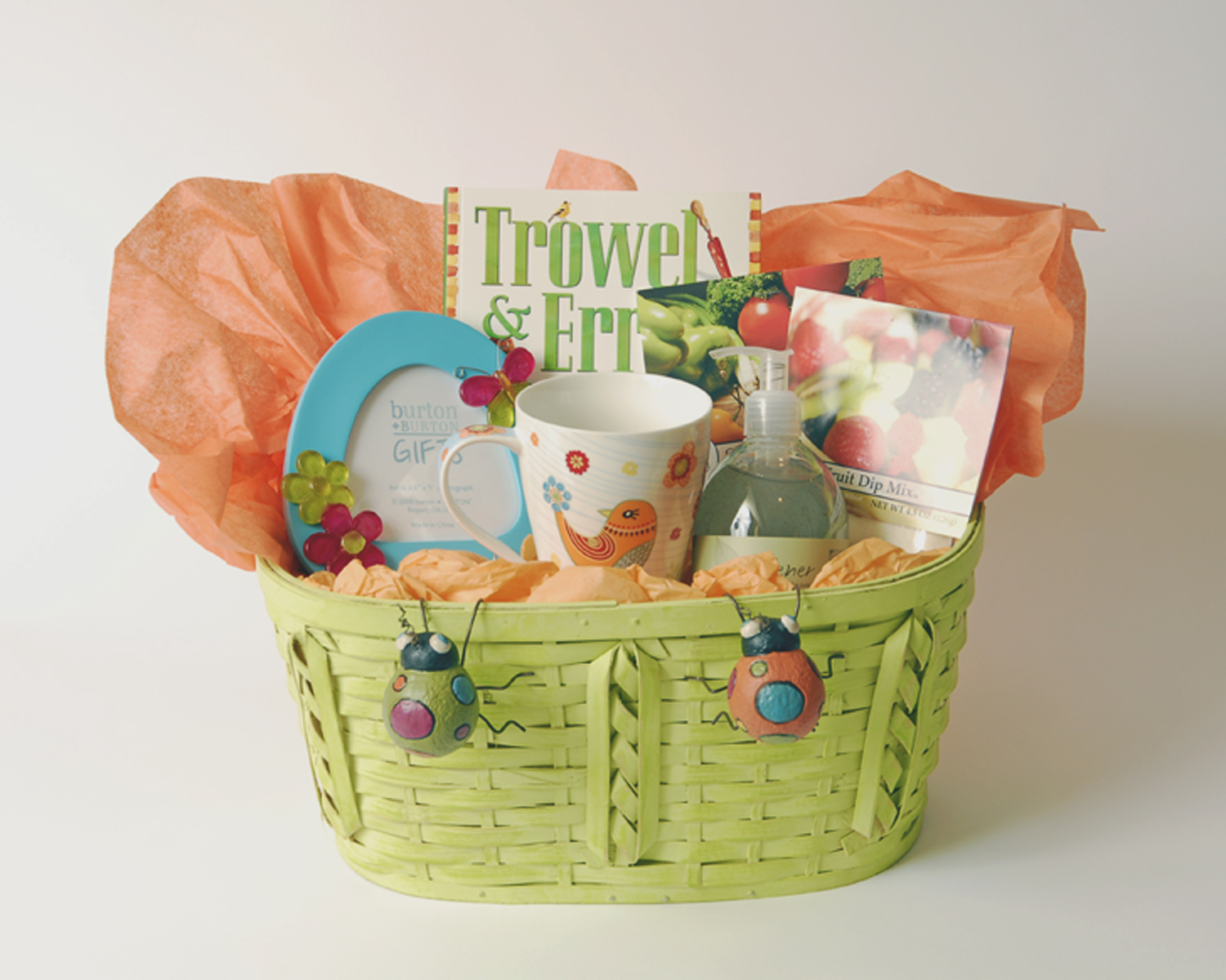 Thoughtful Presence: 5 Great Gift Basket Ideas For Women
