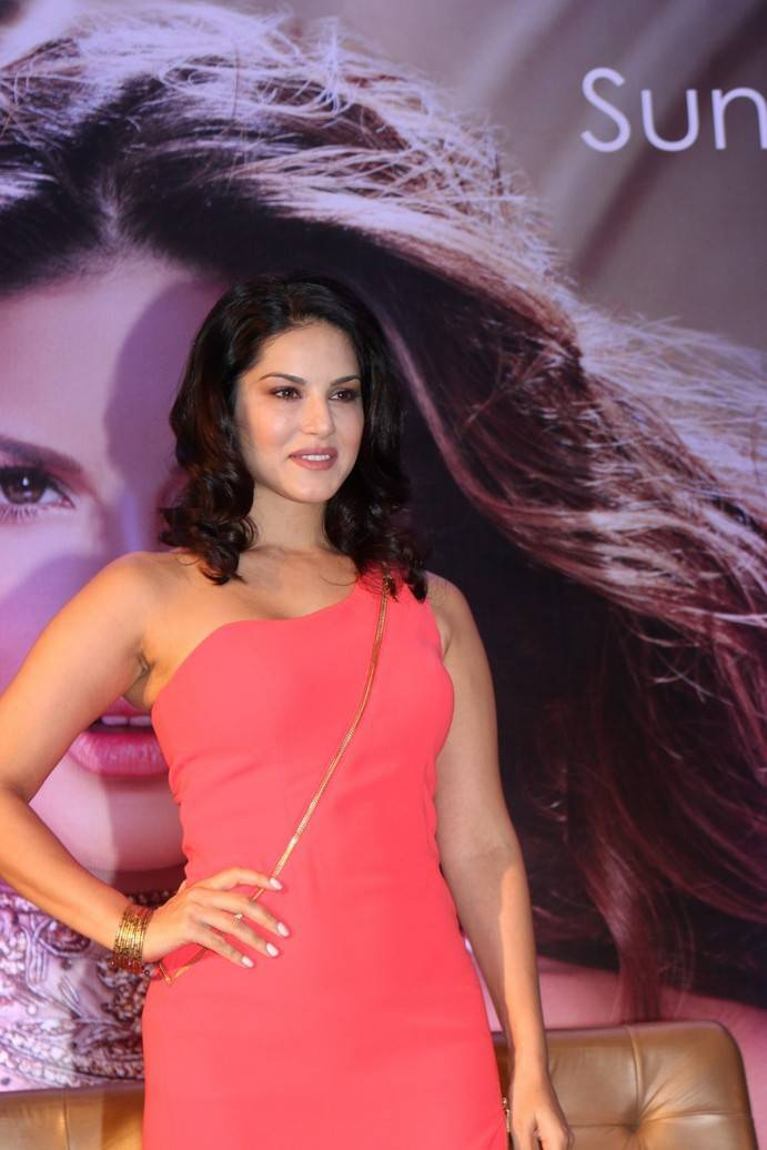 Bollywood Actress Sunny Leone Stills In Pink Dress