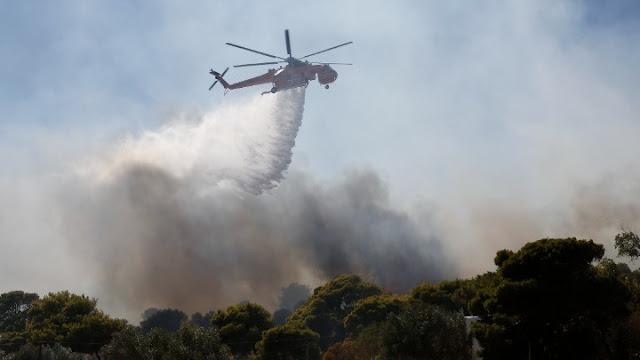 Πυρκαγιά στα Βίλια: Δραματική η κατάσταση - Εκκενώθηκαν 5 οικισμοί και γηροκομείο
