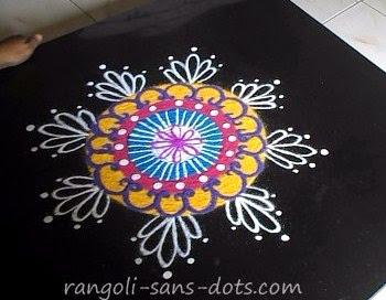 circular-rangoli-design-7.jpg