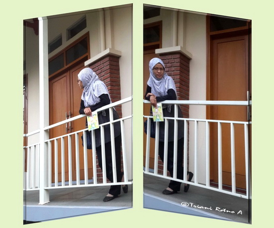 <img scr='nama_file_gambar.jpg'  alt='Ahadiat hotel bernuansa alam di Bandung' />
