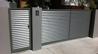 foto portão em aluminio
